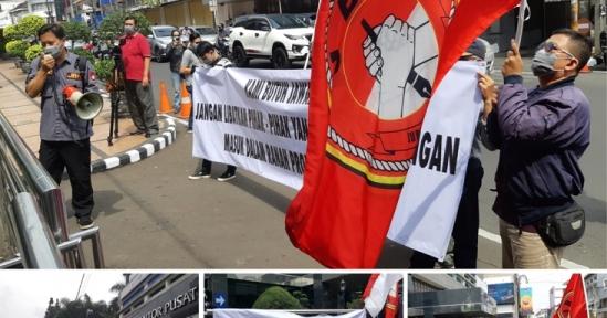 Aksi Damai Jurnalis Bela Negara di Kantor bank bjb, Mengundang Perhatian Pengguna Jalan