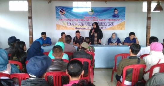 Tia Fitriani anggota DPRD Jawa Barat Gelar Reses Il 2017 di Desa Alamendah Kab. Bandung