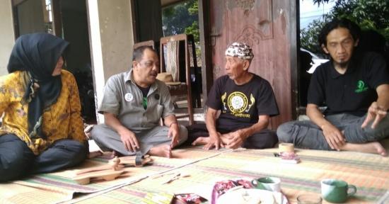 Gerakan Hejo & BOMA Jabar Gelar Upacara 17-an : Ironi, 74 Tahun Belum Merdeka dari Sampah !