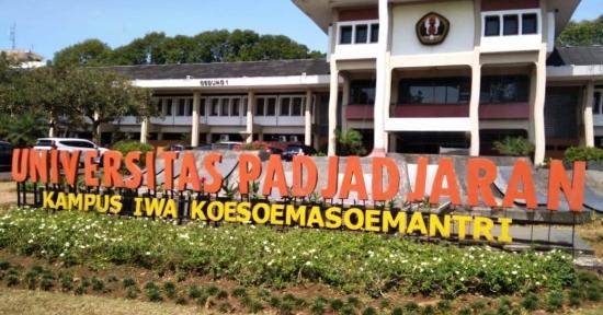 MWA Unpad Lantik Rina Jadi Rektor, Atip Latipulhayat di PTUN Bandung - Tidak Sah, Batal Demi Hukum