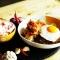 YELLO Hotel Paskal Bandung,  Sajian Nasi Goreng Rendang Ayam Geprek